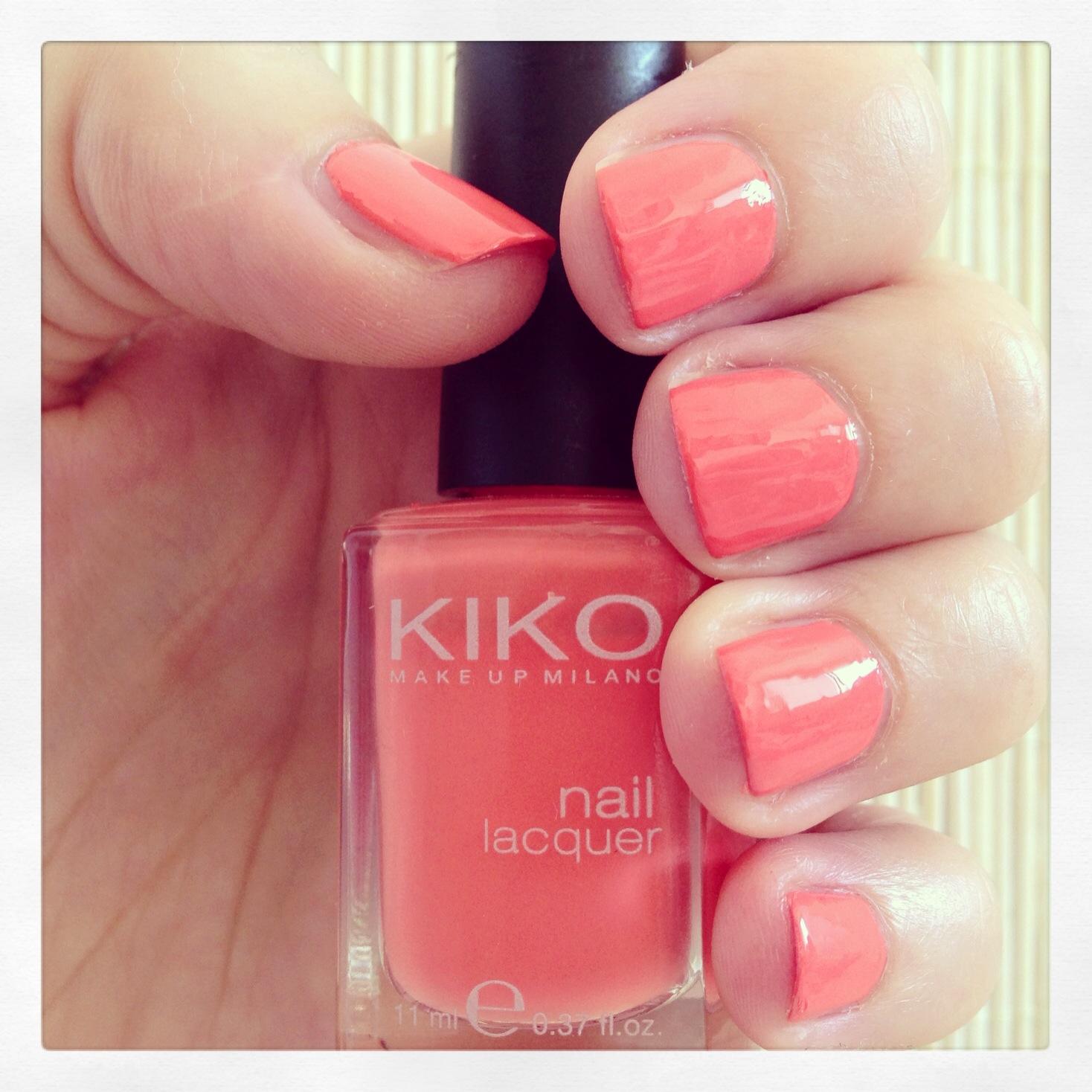 Manicura Detox #4 - Kiko 358 - Coral suave, ni pastel ni neón - Clon del Tart Deco de Essie