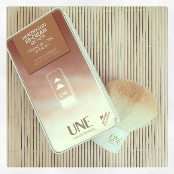 UNE Natural Beauty Reseña review revue BB-Cream Bronzer & Kabuki, maquillaje mineral natural