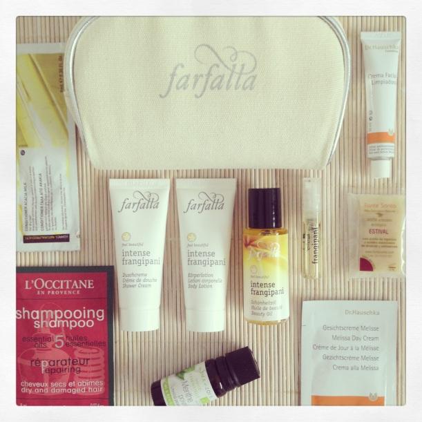 neceser fin de semana cosmética orgánica, Farfalla, dr Hauschka, Fonte Santa, L´Occitane, Korres